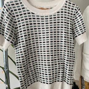 Imitz t-shirt