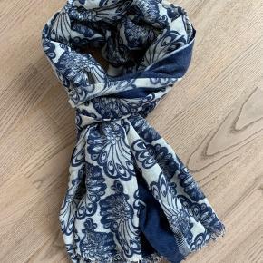 Lækkert tørklæde fra Becksøndergaard💃