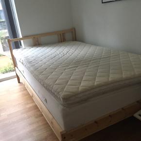 Ganske fin seng. Målene er 120x200