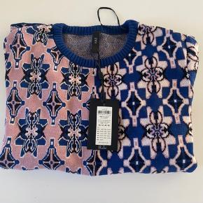 Aylin sweater i blå og Rosa