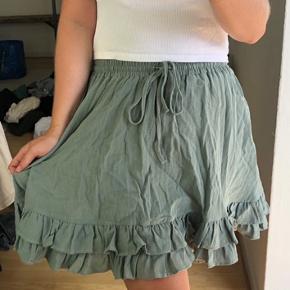 Fineste løse nederdel, med lommer!!