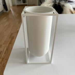 By Lassen Vase
