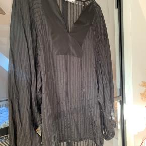 Silke skjorte ... i transparente striber/ fineste silke
