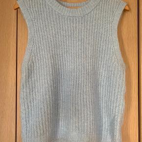 PIECES vest