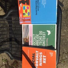 Socialrådgiver bøger  50kr stk. (Fast pris)