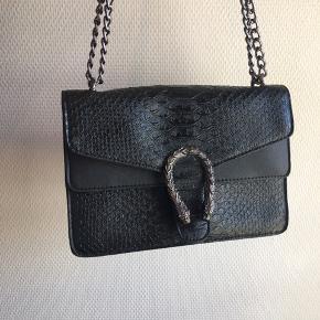 Sælger denne smukke taske, da jeg desværre ikke får den brugt ❤️