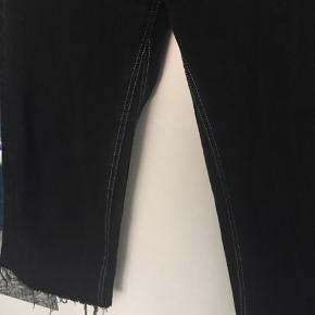 Zara cropped denim bukser. Fejler intet.