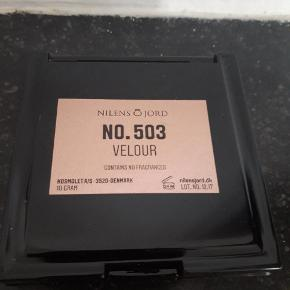 Bronzing powder mineral fra Nilens Jord. Farve nr. 503. Velour.