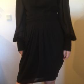 Lipsy kjole