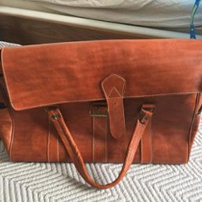 Stor weekendtaske købt i Marrakech aldrig brugt