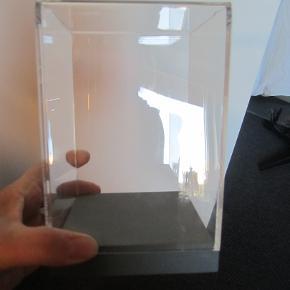 Kasse til normann møbler .15x10