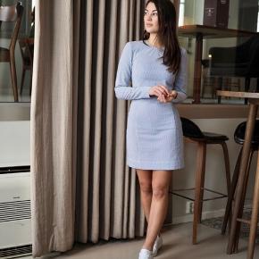 Super flot kjole fra Ganni! Nypris 1600 kr. Aldrig brugt - mærket sidder stadig i.