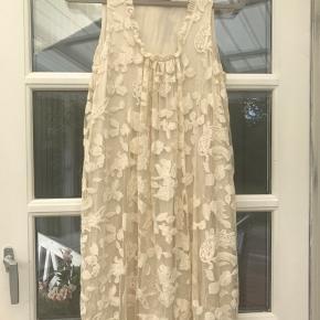 Super fin og velholdt kjole fra Stylebutler.