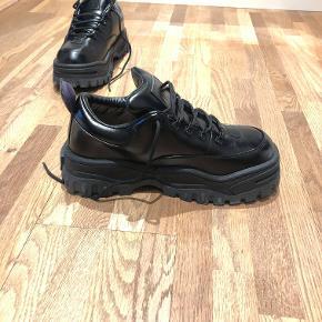 6f3b1851b29 Eytys chunky sneaker sort læder! Aldrig brugt, og har stadig tag siddende  på.