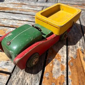 Gammel trælegetøj bil . Seriøse bud modtages 🌸