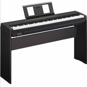 Yamaha P-35 elklaver/stagepiano.Slankt designet stagepiano med 88 vægtede GHS-tangenter, duo og dual funktion, effekter og i alt 10 forskellige lyde.  Yamaha L85 originalstativ medfølger. Supreme sustainpedal FP-1 pianomodel medfølger.  Klaveret har været meget lidt brugt og fejler ikke noget.  Samlet nypris for klaver, stativ og pedal: 4500kr Kvittering haves.