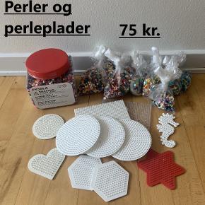 Sælger en stor samling af små perler fra Hama og IKEA.  Der findes perler i alle tænkelige farver og medfølger forskellige perleplader.  Sælges samlet for 75 kr. Kan sendes mod at køber betaler porto.