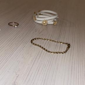 Fine armbånd og en ring til billige penge  Skriv ang. pris! Sælges BILLIGT!