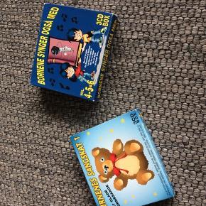 Børne cd'er  den med bamsen er ny 30,- den anden 20,-