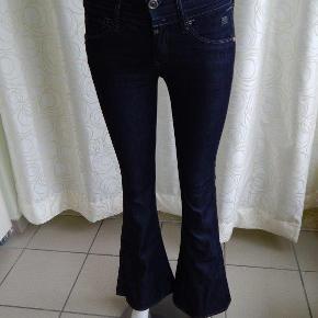 """G-Star Raw Jeans 25""""/30"""" Flares, mørkeblå, brugt 1-2 gange, næsten son nye"""