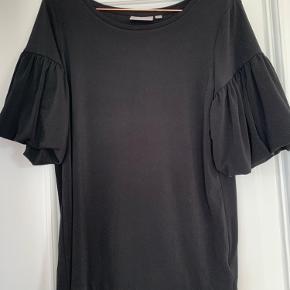 Fin trøje fra InWear i en S. Aldrig brugt.