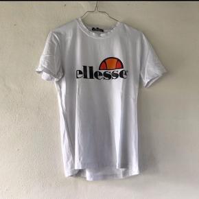 Super fed Ellesse t-shirt