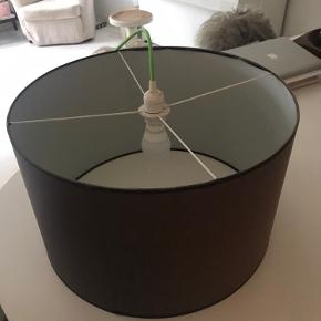 Lampe 50 cm diameter og 30 cm høj - grøn ledning