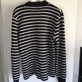 Hejsa jeg sælger denne lækre strik trøje  Np - 2300  Mp - 900 Køb nu - 1200