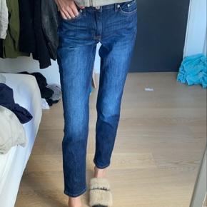 Girlfriend jeans fra H&M - aldrig brugt