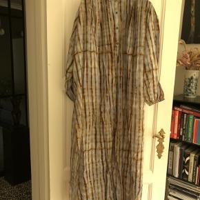 Nirvana kjole/lang Tunic med høj slids. Aldrig brugt Nypris 1799,-