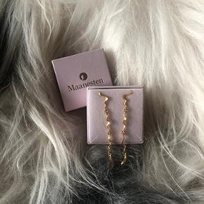 Sælger disse øreringe, de er næsten ikke brugt og min pris er derfor fast. Bytter ikke.