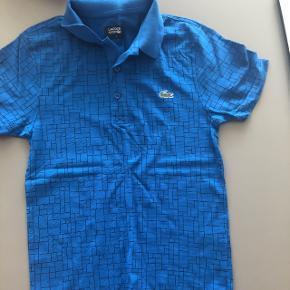 Lacoste T-shirts i str.2 (Xs) Brugt få gange Mp.50kr Sendes med DAO (38kr)