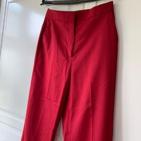 Flotte røde suit bukser. Aldrig brugt