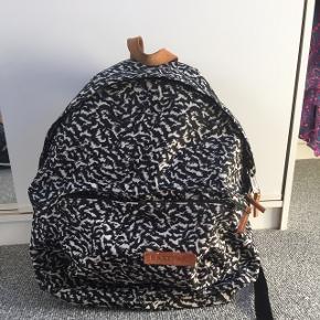 Fin taske  Kan Bruges som skoletaske eller andet