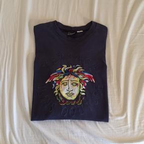 Versace vintage langærmet trøje  Smid et bud😊  Tjek gerne mine andre annoncer!