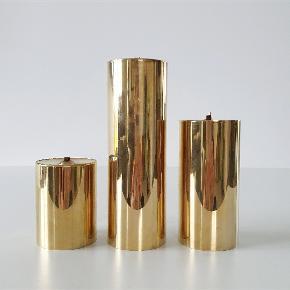 Tre olielamper fra Cawa Danmark. Alle har mærke og nummer 1031, 1032, 1033. De måler 13, 9 og 5,5 cm i højden. Samlet pris.