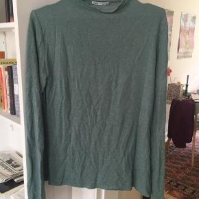 Aldrig brugt. Blødeste bluse fra ZARA. Str M
