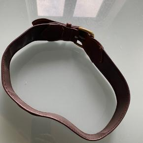 Fint bredt bælte kan bruges mellem 70 og 80 cm.