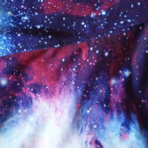 De fedeste sweatpants i galaksemønster fra Lotus Leggings.  Brugt få gange, byd😊