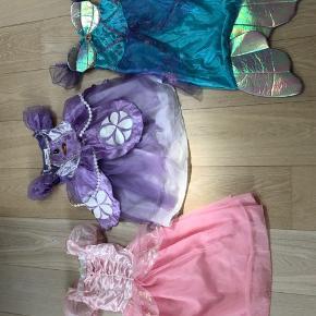 Fine udklædningskjoler. Str 104-110. 50 kr pr stk.
