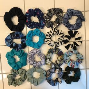 Hjemmelavede scrunchies  1 for 15 kr 3 for 40 kr 5 for 60 kr 10 for 100 kr Sender mod betaling.