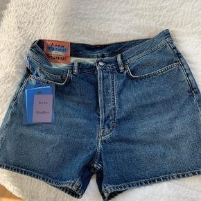 Nye shorts fra Acne. Fejlkøb   Str: 29