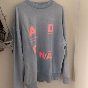 Helt ny, aldrig brugt  Super fin hoodie/sweater