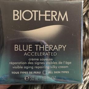 Biotherm nyeste creme der udvisker aldringstegn og strammer op kan bruges af alle hudtyper . Trænger hurtigt ind og fugter over hele dagen