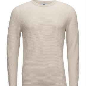 Varetype: Strik Farve: Beige Oprindelig købspris: 800 kr.  Lækker strik i 100% bomuld. Model Lars.