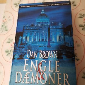 Engle og dæmoner af Dan Brown. Ses og købes i Kolding eller sendes på købers regning ! :)