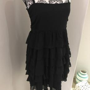 Outfitters nation kjole brugt 1 gang.
