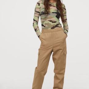 H&M beige høj talje bukser i str Xs. Næsten som nye.