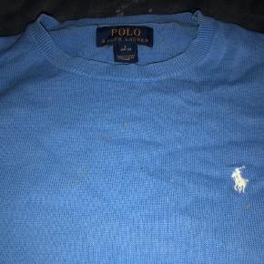 Lækker bomuldssweater. Holder facon og farve. Str hedder L 14-16 år. Ralph Lauren er småt, passer 12-14 år  Har en lille plet foran. Prisen er derfor sat lavt.  Bytter ikke...  Mp 125 pp