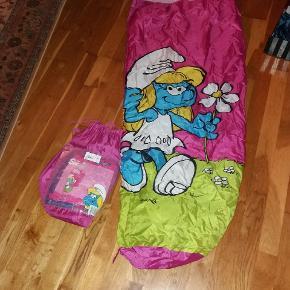 Sovepose med smølfine. 165×50/65 Incl. Opbevaringspose